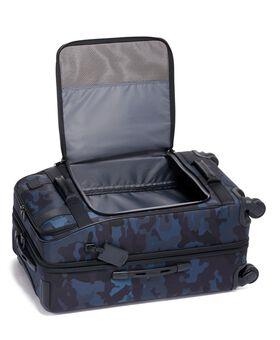 Short Trip Expandable 4 Wheeled Packing Case Merge